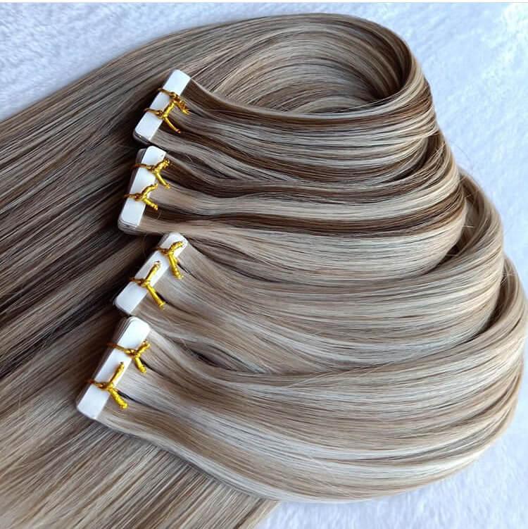 Predlžovanie vlasov tape in páskami